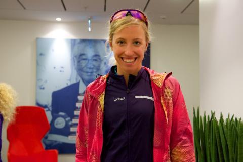 Lisa Nordén på besök hos ASICS