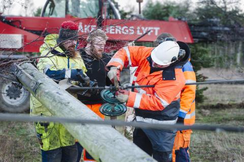 Stormen Sven är över – arbetet med elnäten fortsätter