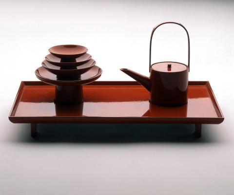Asiatiska lackföremål ur Röhsska museets samling. Servis, lackarbete.