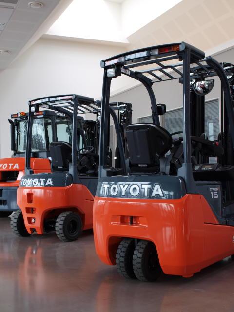 Toyota Material Handling Finland - Toyotalla ennätyksellinen käytettyjen trukkien myynti 2013