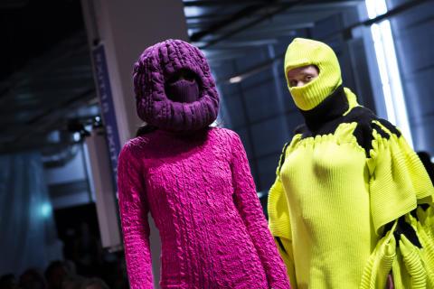 Sarah Ljungdahl - smock x knit