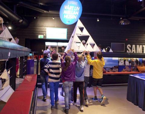 Elever slår världsrekord i Frihamnen när Vetenskapsfestivalen drar igång