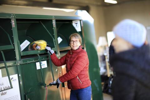 Textilinsamling på återvinningscentralen