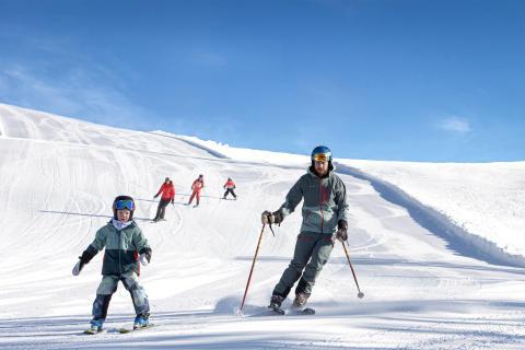 På ski med børnene i Stöten