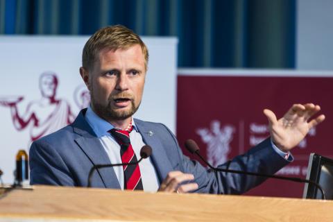 Legeforeningens fem krav til Høie