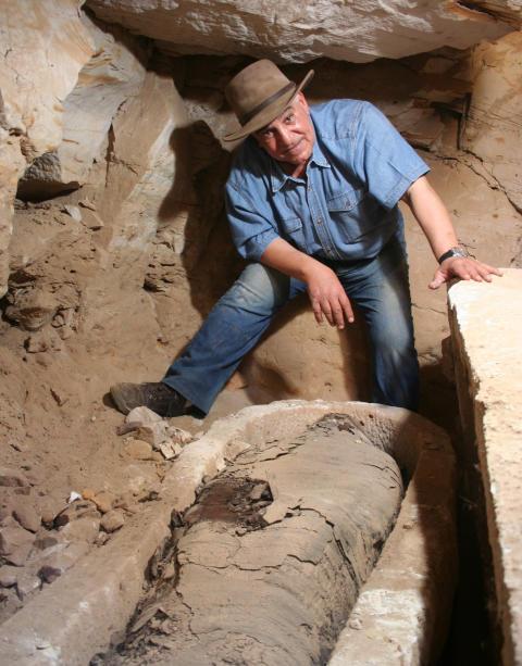 Dr Zahi Hawass har lett utgrävningar i Giza, Konungarnas dal mfl
