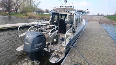 Alukin CR 850 med akterdäck för trollingfiske