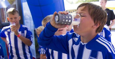 Mjölkhävartävling vid Umeå Fotbollsfestival