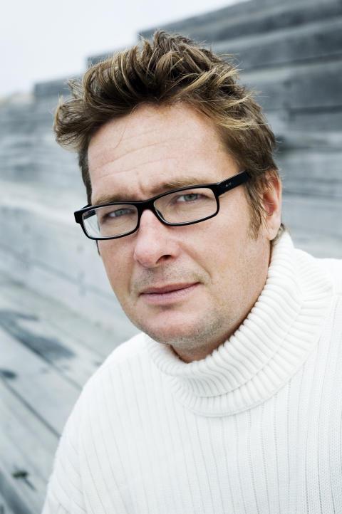 Författaren Kristian Lundberg på stadsbiblioteket