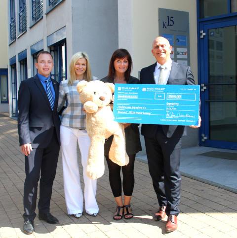 Zur Filialeröffnung von Telis Finanz gibt es Spenden für Bärenherz