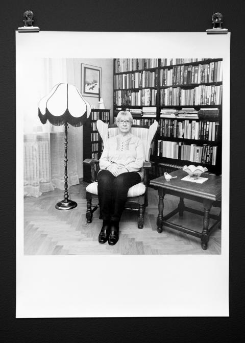 Porträttfoto av mogen kvinna