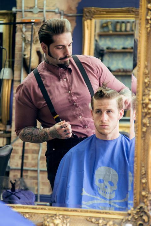 Tom Chapman (UK), domare i Swedish Barber Expo Barber Battle 2017