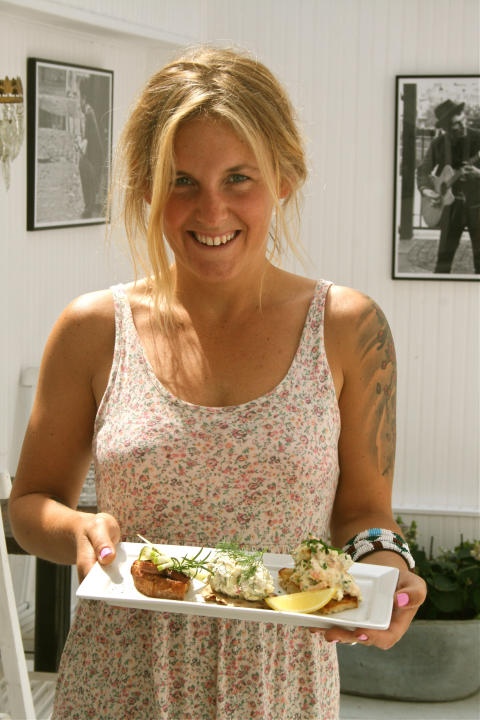 Lisa Wallén, owner of Lisa's serving 'Smörgåsbord on a plate'