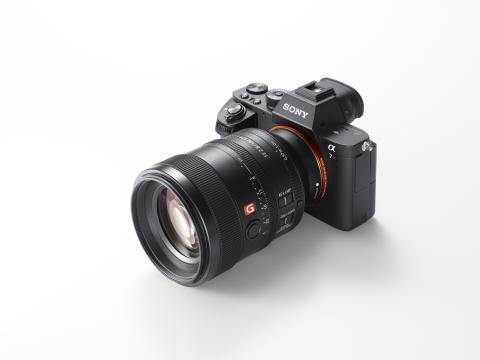 Sony annuncia la nuova ottica 100mm F2.8 STF G Master™ con il miglior effetto bokeh mai raggiunto da un obiettivo α
