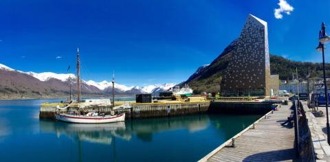 Das neue Norsk Tindesenter (Norwegisches Gipfelzentrum) in Åndalsnes / Fjordnorwegen