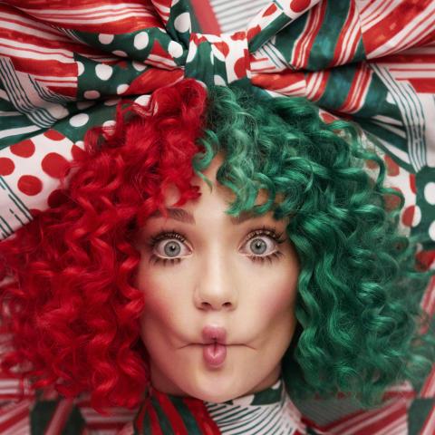 Sia er tilbake med ny julemusikk