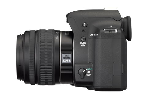 Pentax K500 m/18-55mm left