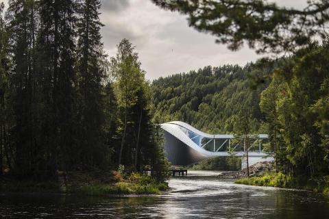 """""""The Twist"""", il nuovo museo-ponte che apre a Kistefos, in Norvegia"""