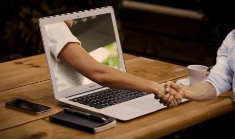 Lav dit næste skrivebord selv