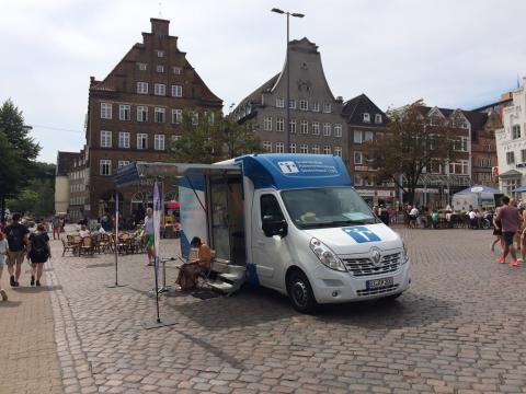Beratungsmobil der Unabhängigen Patientenberatung kommt am 16. Oktober nach Flensburg.