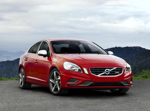 Nya S60 och V60 R-Design - ännu sportigare design och köregenskaper för finsmakarna