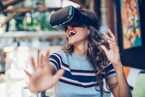 Amadeus spår fem viktige reisetrender -Slik påvirker teknologien reisingen vår i 2020