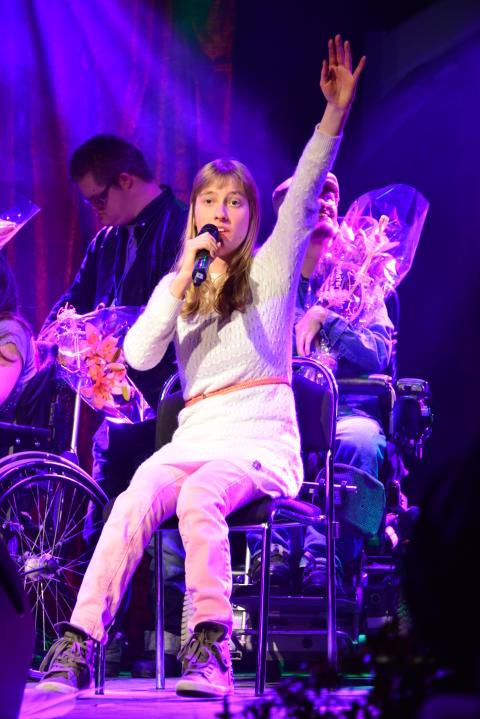 Felicia Kamsvåg från Sollentuna vann Väsby Melodifestival 2014