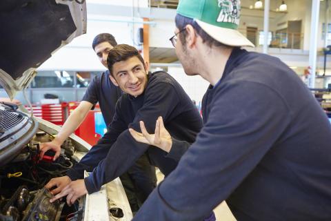 Edströmska ger motorbranschen kompetens för framtiden