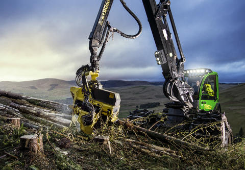 John Deere presents crane-tip control for harvesters