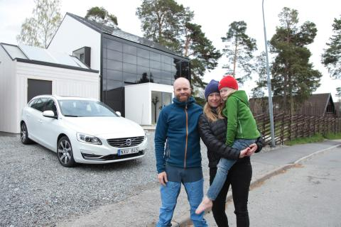 The Jogensjö family with their Volvo V60 Plug-in Hybrid