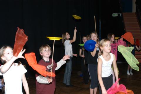 Sommarlund: Prova-på-cirkus med Malmö Cirkusskola