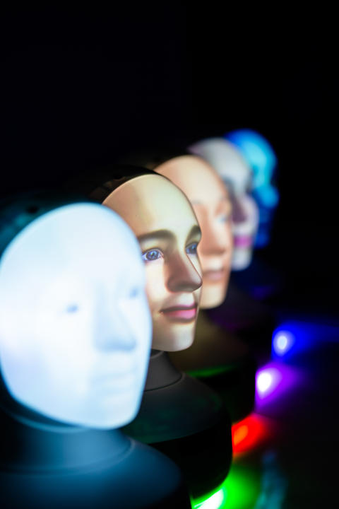 TNG och Furhat samarbetar och skapar Tengai - en fördomsfri rekryteringsrobot