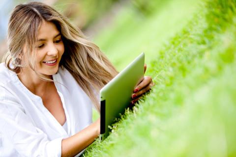 Samlaget senkar prisane på alle sine e-bøker