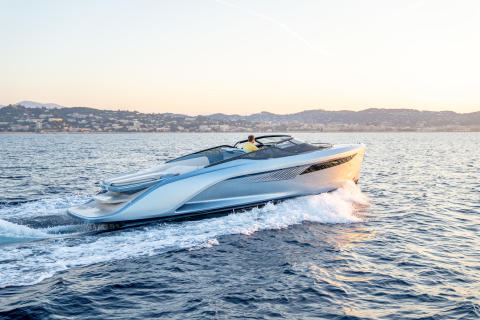 High res image - Princess Motor Yacht Sales - Princess R35