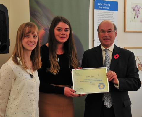 Center Parcs Woburn Forest named DEFRA Bees' Needs Champion for green roofs