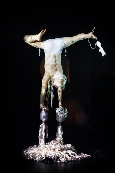 Cirkus Cirkör - Knitted Piece - Aino Ihanainen