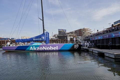 Team AkzoNobels Volvo Ocean race-båt döpt i Haag