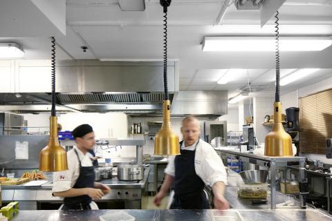 Restaurang Gastros kök - här behöver ingen skrika