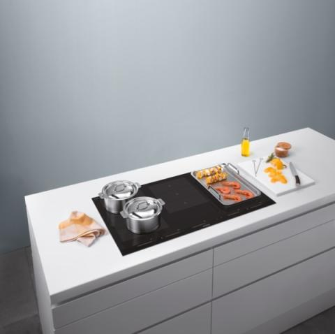 siemens lanserar nya flexinduction induktionsh ll med maximal siemens home appliances ab. Black Bedroom Furniture Sets. Home Design Ideas