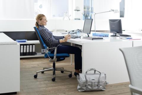Auch im Büro mobil und fit bleiben: Tipps zum Tag der Rückengesundheit am 15. März