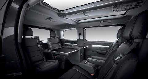 PEUGEOT Traveller – en invitation til luksus og komfort på farten