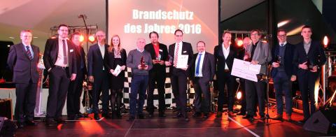 """Die glücklichen Gewinner des """"Brandschutz des Jahres 2016"""""""
