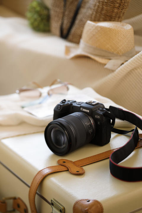 RF 24-105mm F4-7.1 IS STM _Ambient_KM011552