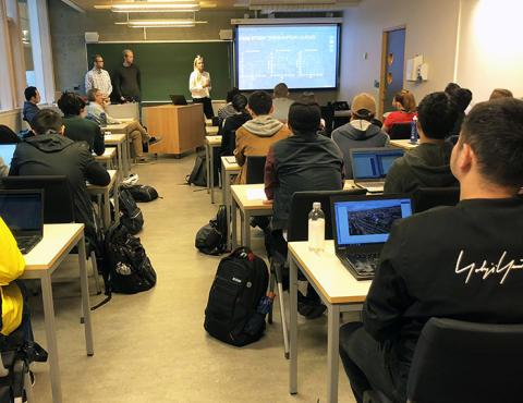 30 internasjonale studenter var til stede på presentasjonen