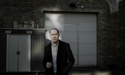 Niels Skousen vækker igen sin personlige, skarpe og poetiske rock til live