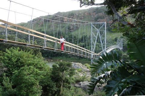 SPECIAL SOCIAL & RESEARCH AWARD: bridgingMZAMBA