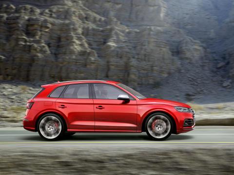 Audi SQ5 TFSI i misano red