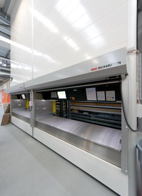To LogiMat lagerautomater effektiviserer lagringen og plukningen hos Zehnder.