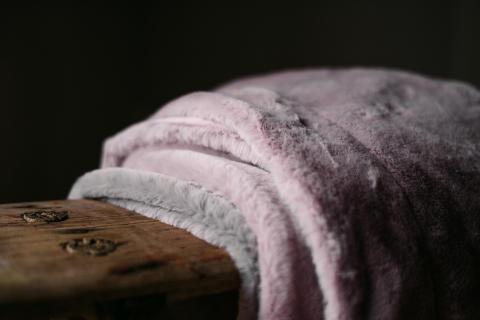 Lyxig sammet och len pälsimitation