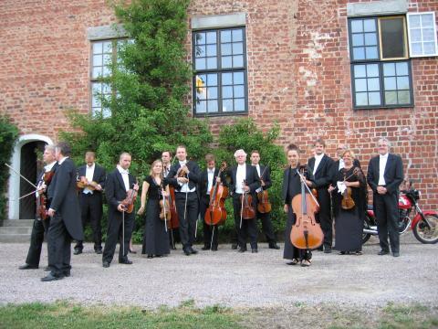 Från Richard Strauss till Martina Tomner med Huaröds kammarorkester